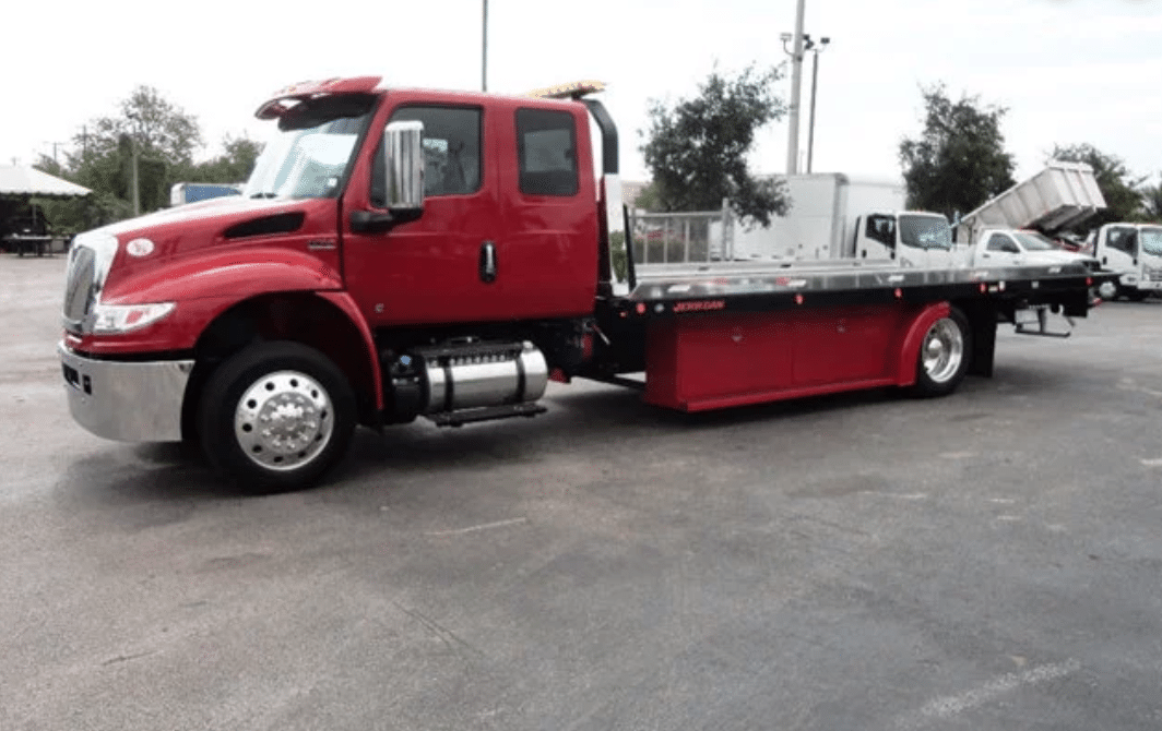 The Advantages Of Rollback Tow Trucks