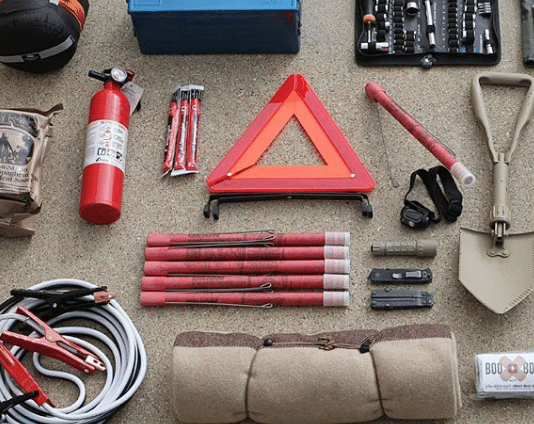 Important Items To Carry In Your Vehicle's Emergency Kit